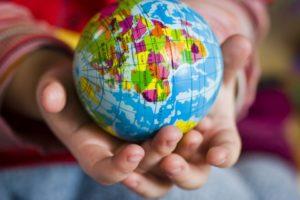 Wirf den Globus - oder lerne die Länder der Welt einfach spielerisch kennen
